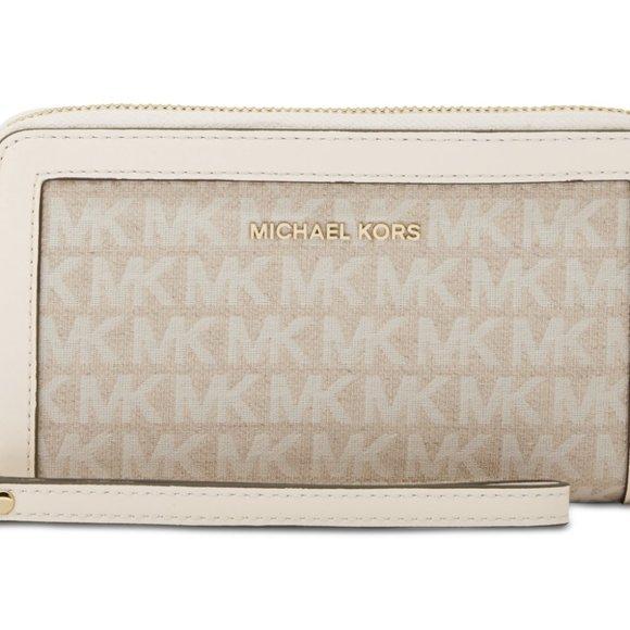 Michael Kors Handbags - Michael Kors Jet Set Multifunction Wristlet Wallet